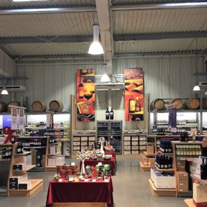 Retail warehouses with bed store, Wiesbaden, Hessen, > 1.000 sqm, < EUR 10 million
